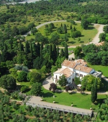 castelvecchio: the karst vineyards